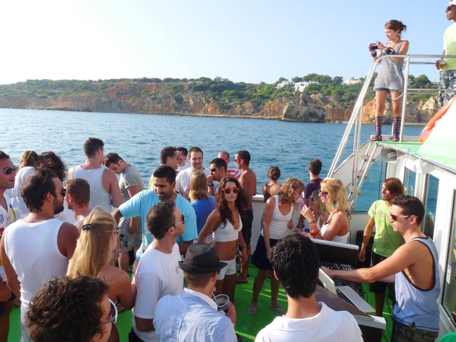 boat tours for groups in Vilamoura
