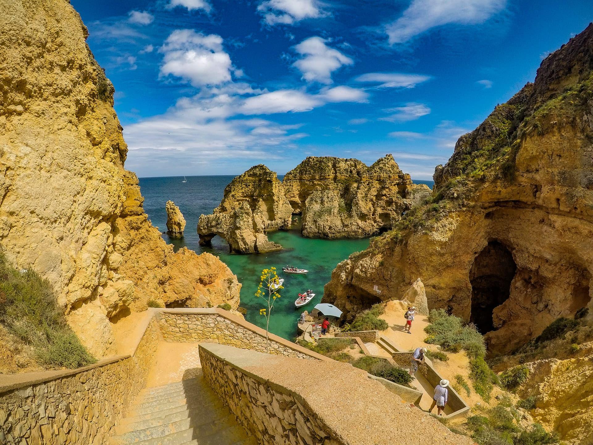 boat tour to Benagil and Ponta da Piedade How to get around in the Algarve pic by João Coelho
