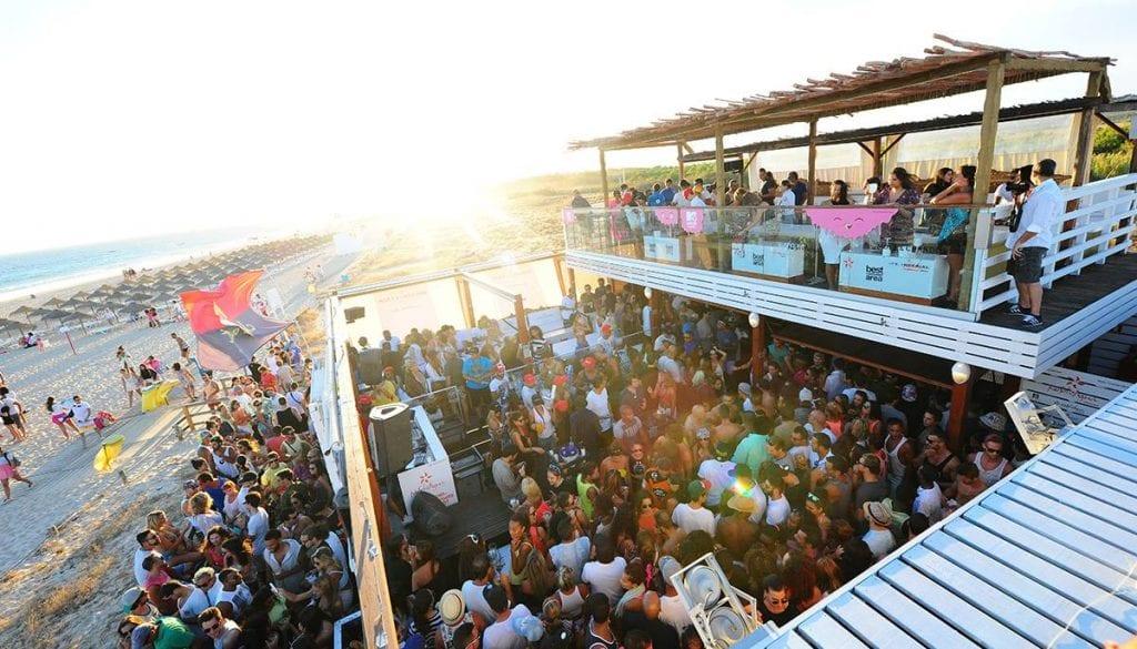 Enjoy the best sunset parties