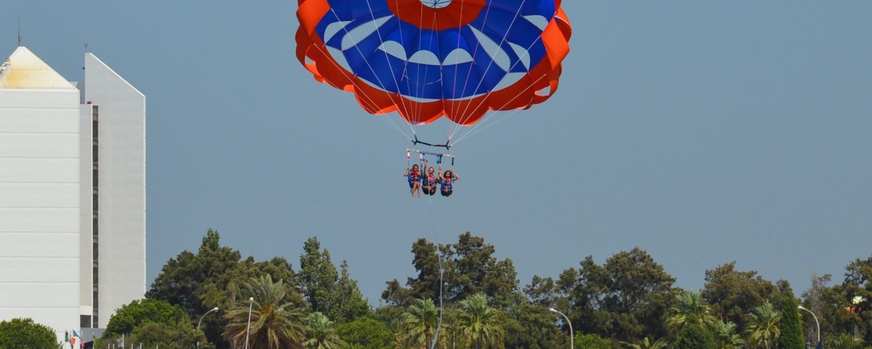 Cover for Parasailing in Vilamoura