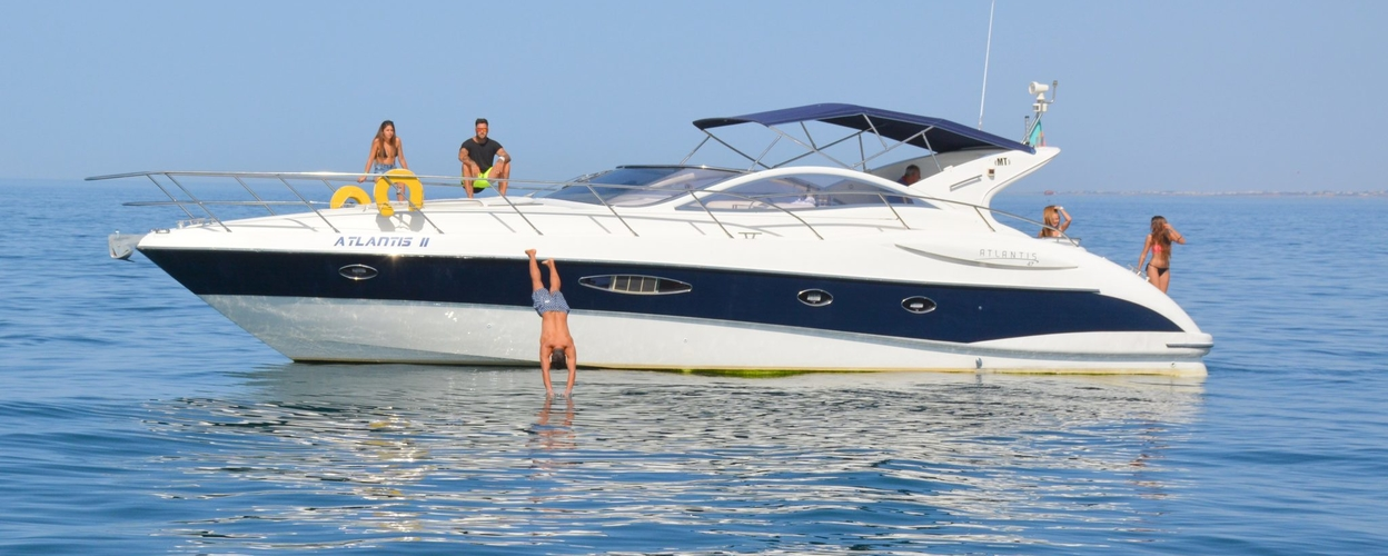 Rent a boat in Vilamoura – morning