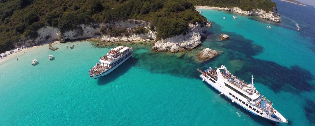 Boat cruise in Corfu