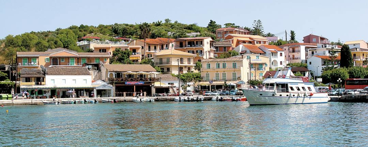 Full-day boat tour in Corfu to Kassiopi