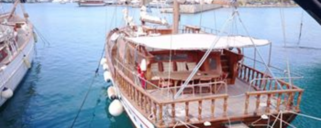 Come on board of our traditional boat