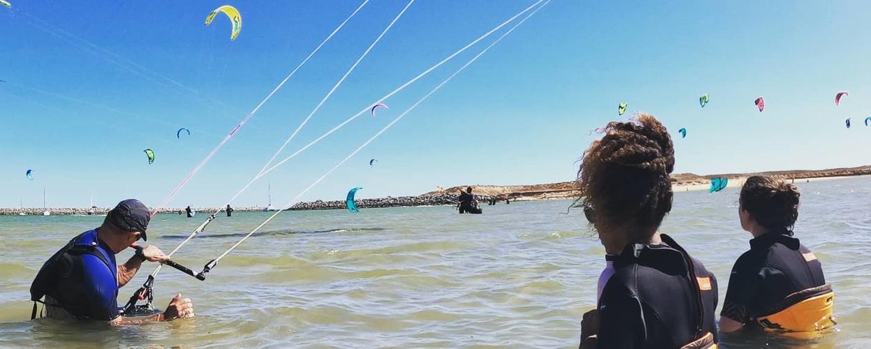 Beginner kitesurfing course in Lagos