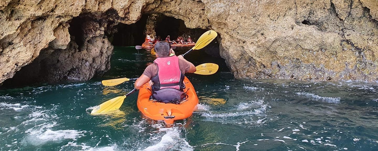 Catamaran and kayak tour to Ponta da Piedade