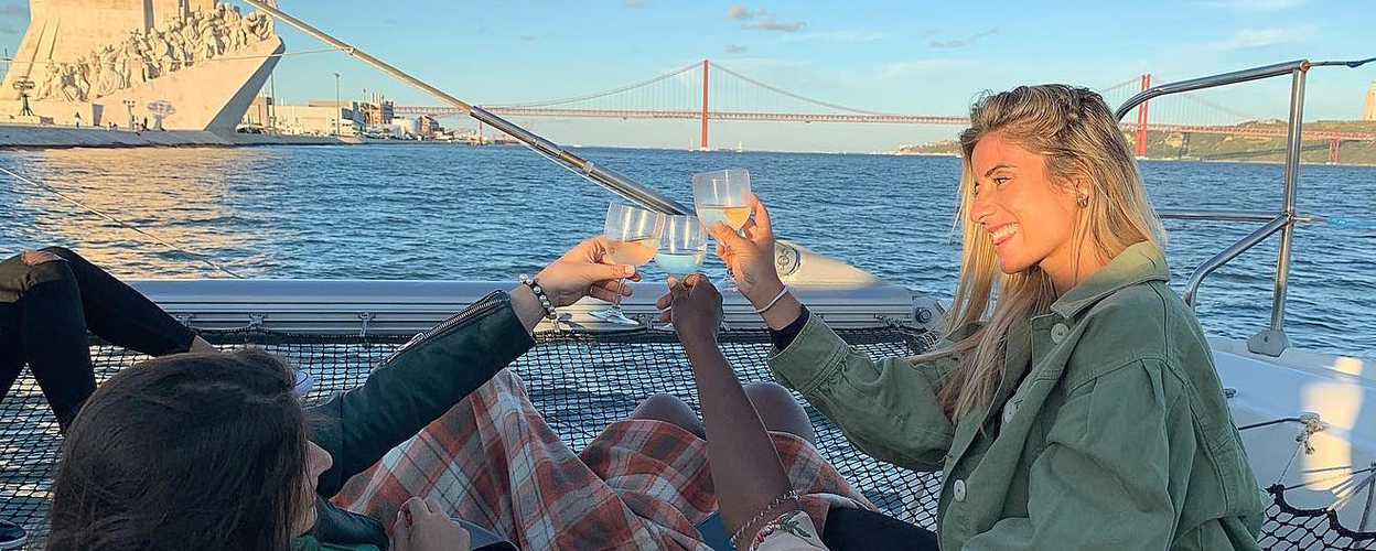 Boat charter in Lisbon for your group Cover