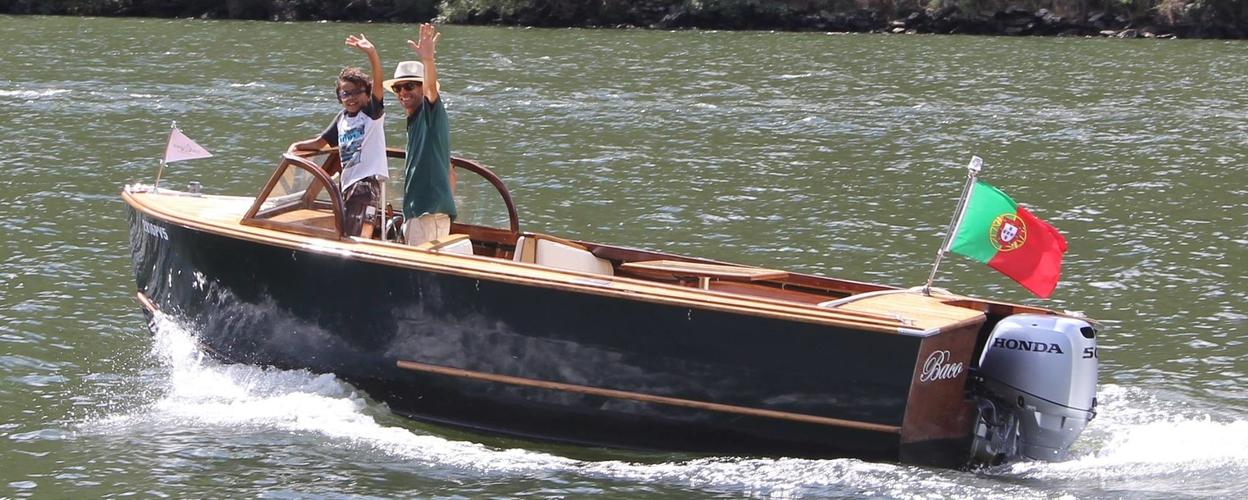 2-hour private Douro river cruise