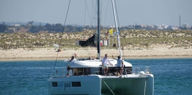 Private catamaran tour in Ria Formosa