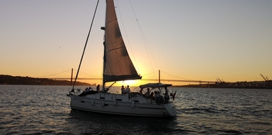 Lisbon sunset sailing tour