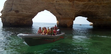 Boat ride to Benagil from Portimão with swimming Cover