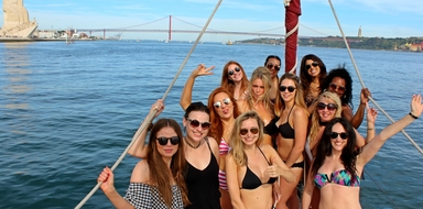 bachelorette sailing in Lisbon