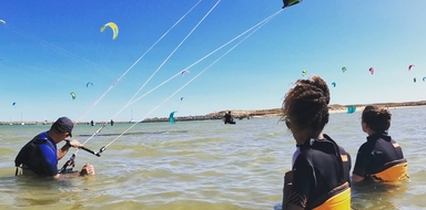 Beginner kitesurfing course in Lagos