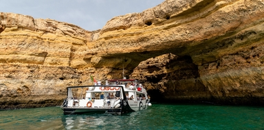 Benagil Catamaran cruise along the coast