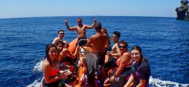 Enjoy a boat tour to the best Santorini snorkeling spots!
