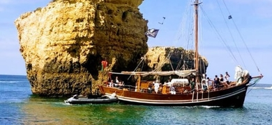 BBQ boat tour Benagil
