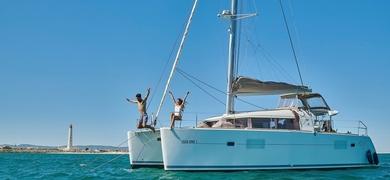 yacht charter in Faro catamaran