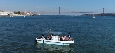 Cover for Sightseeing boat trip in Lisbon