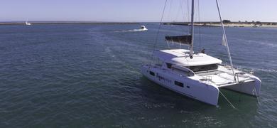 Private catamaran tour in Ria Formosa