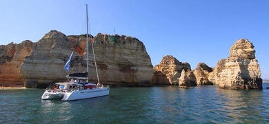 Explore the caves of Ponta da Piedade