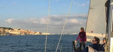 Simply relax during this sailing tour