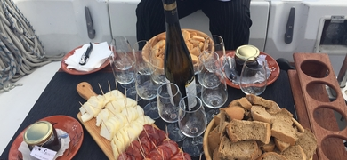 Sail and wine tour in Lisbon