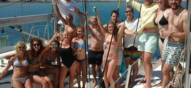 Enjoy a great day with your friends on a catamaran in Mykonos