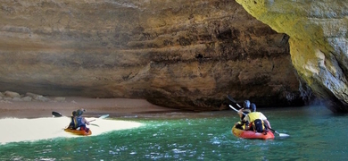 Catamaran and Kayak Tour to Benagil from Portimão