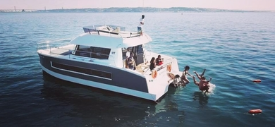 Private yacht rental in Lisbon
