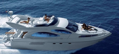 Cover for private motor yacht in Barcelona