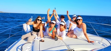 Bachelorette boat party in Vilamoura Cover