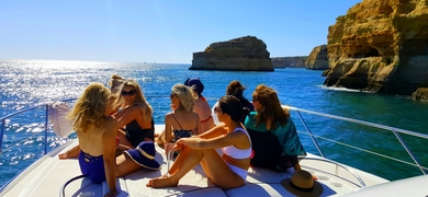 Bachelorette boat party in Vilamoura