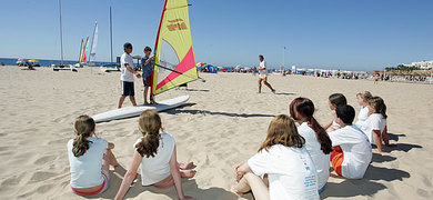 Windsurf Lessons for kids during your holidays in Luz