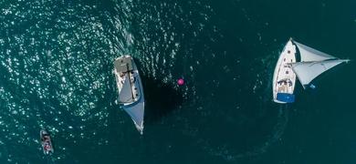 Explore the coastline of Valencia by boat