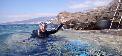 Go scuba diving in El Médano