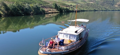 Have a great time onboard and discover the Douro Valley