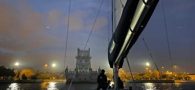 Night sailing tour in Lisbon