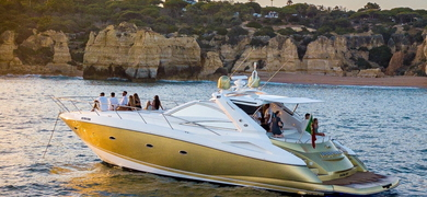 Explore the coastline of the Algarve