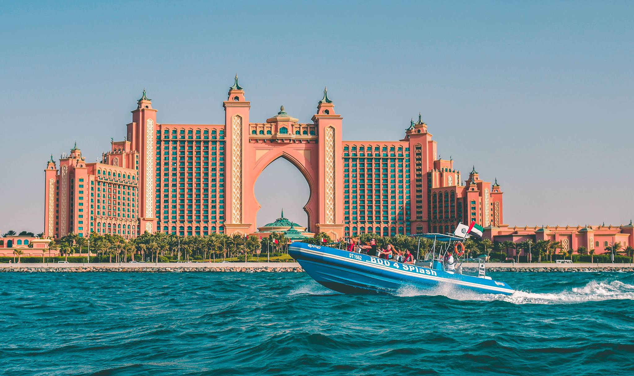 Private skyscrapers boat tours in Dubai