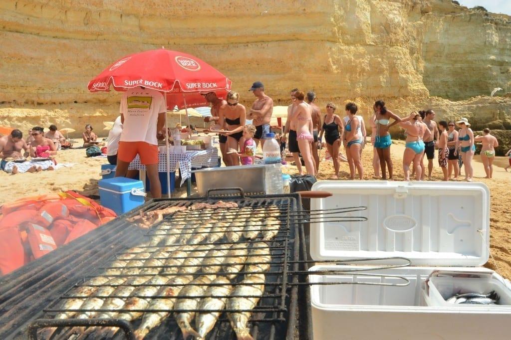 Albufeira Beach BBQ - Beach BBQ abufeira - boat trip from Albufeira- boat trips Albufeira – Albufeira