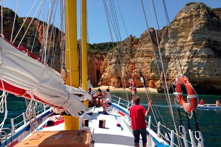 Bom Dia Boat Trips - Lagos - Boat trips in the algarve- Lagos, Algarve, Portugal