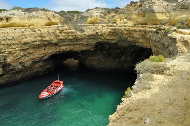 Albufeira things to do: 60min jetboat