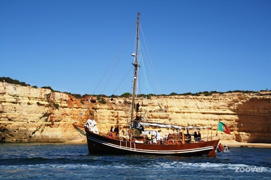 From the Captain Hook cruise in Albufeira you'll have stunning views