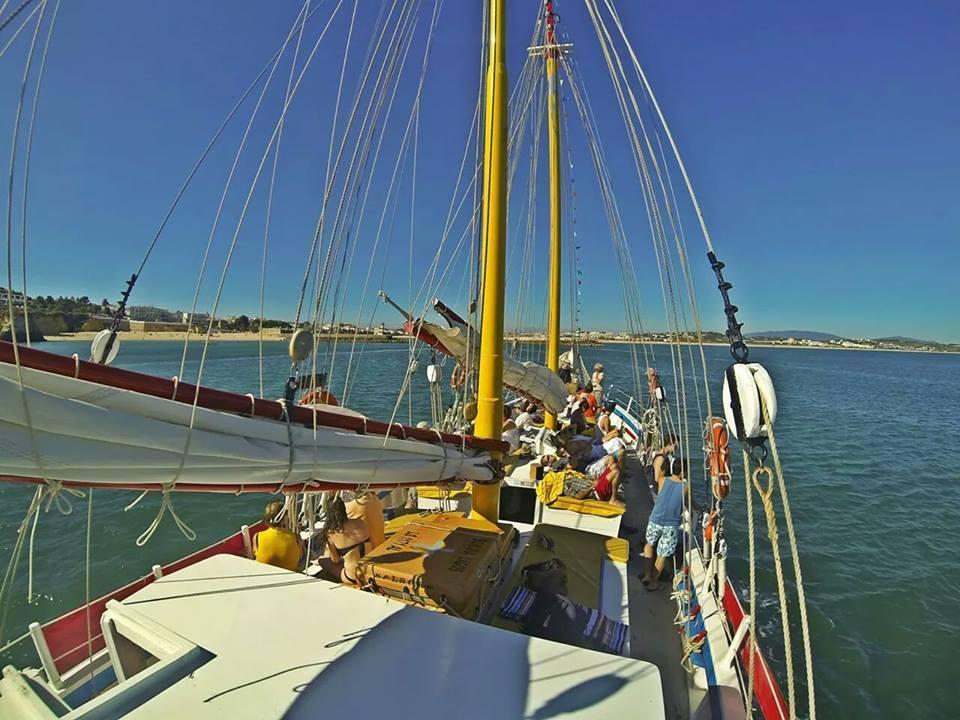 bomdia boat trips in lagos portugal