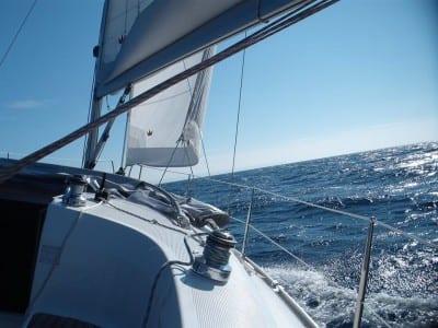 Sailing trip lisboa - bpatismo de vela em oeiras - leren zeilen in lissabon