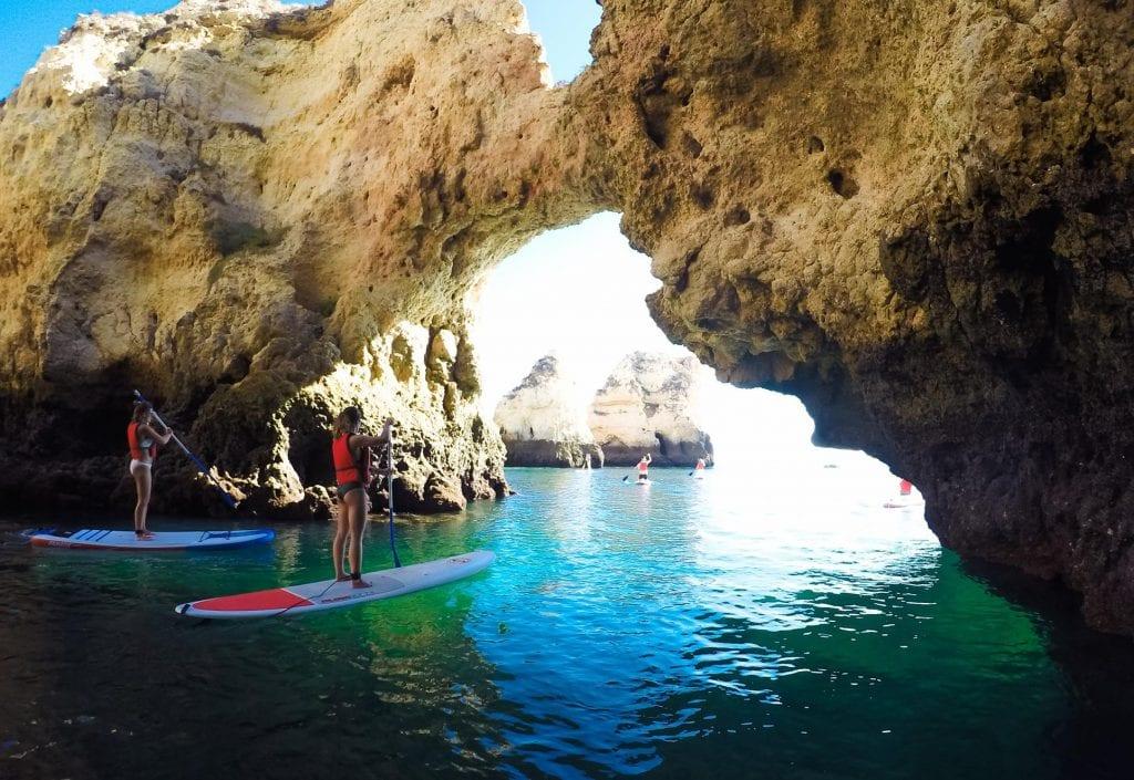 SUP Tour zu den Grotten in Lagos