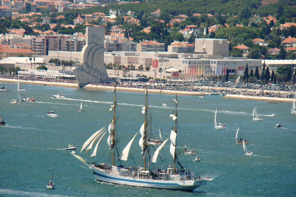 The tall ship races Lisboa