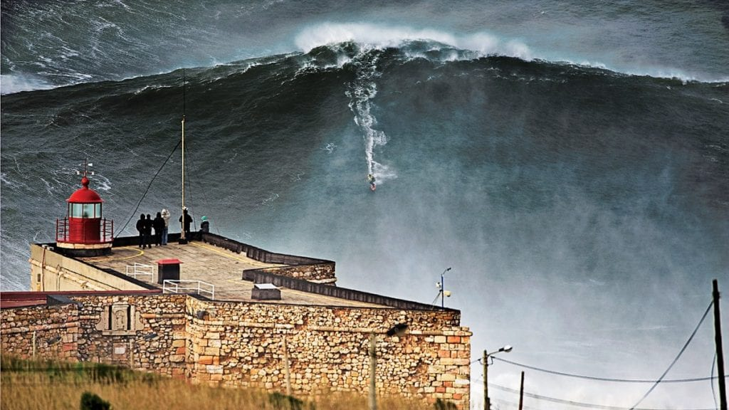 Nazaré Big Wave Event 2016