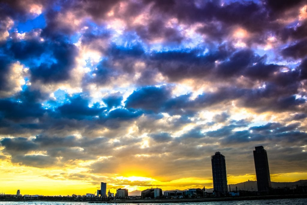 The skies of Barcelone turn into true pieces of art during sunset