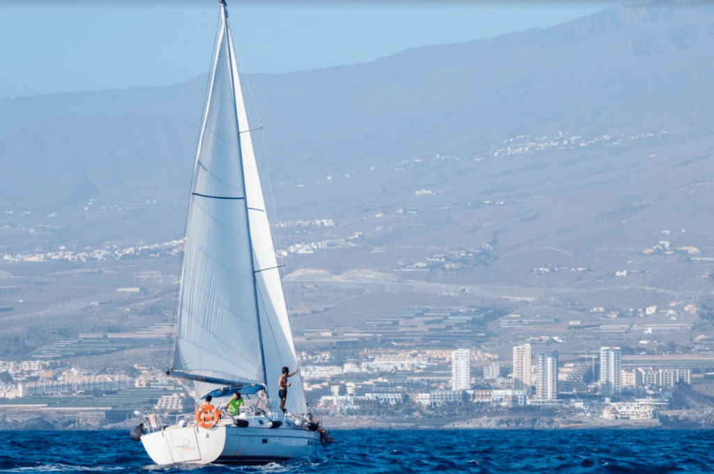If you like sailing, this tour is for you